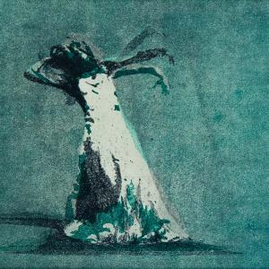 Bildtitel: Hingabe (3teilige Bewegungssequenz einer Tänzerin in einem Abendkleid, die ihren Kopf und Körper zurückneigt und ihren Arm hebt. ) Technik: Farbaquatinta